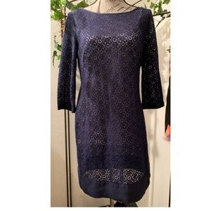 Laundry by Shelli Segal•lace shift dress.